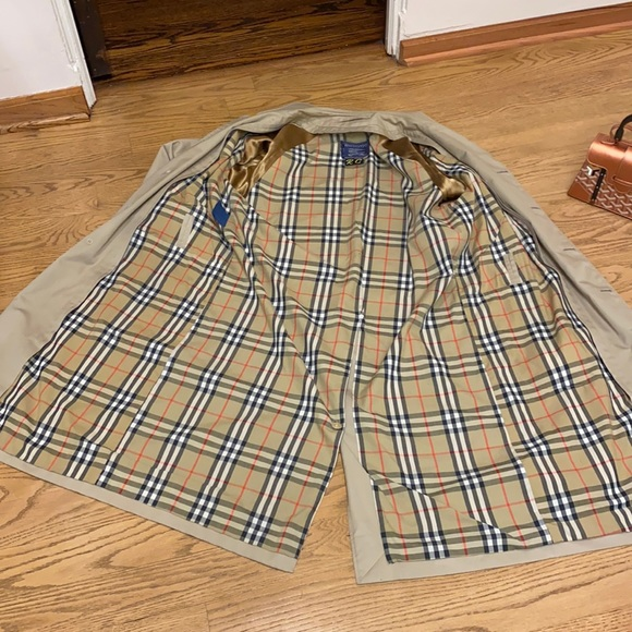 🔥SALE🔥Burberry's Trench Coat with an interior lining